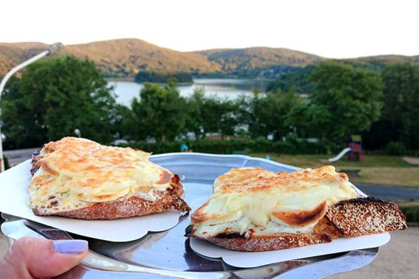 Tartines aux Fées du lac au lac du Laouzas (Tarn)